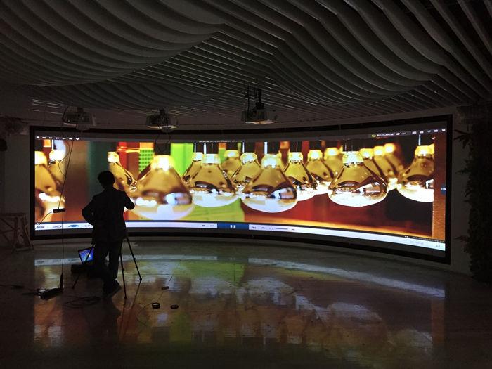 展厅使用的立体弧形幕