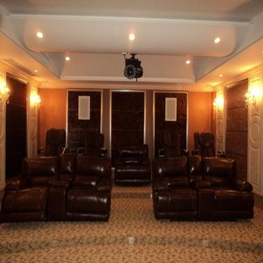 163寸3D高清地下室视听室系统