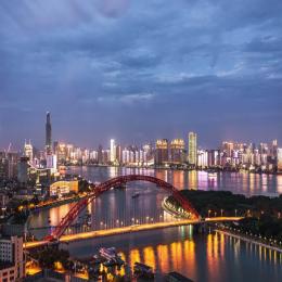 LED玻璃显示屏在武汉建筑楼体亮化工程中的优势